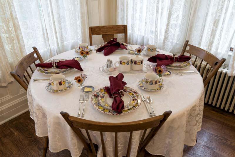 Dining Room Grey Swan Inn